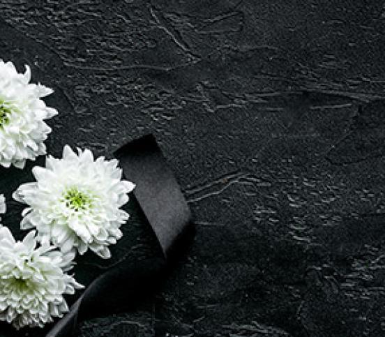 Pose de semelles pour monuments funéraires